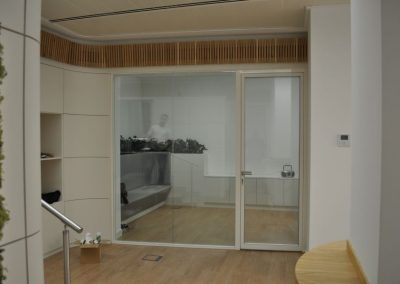 divisalia_mamparas de oficina de vidrio_puertas de paso_2