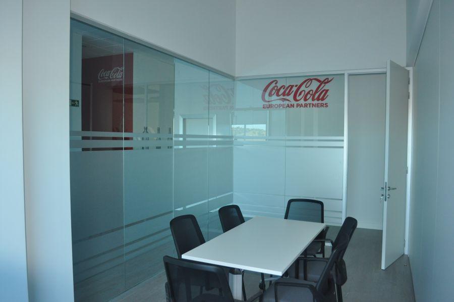divisalia_mamparas de oficina de vidrio_puertas de paso_er c c t_2