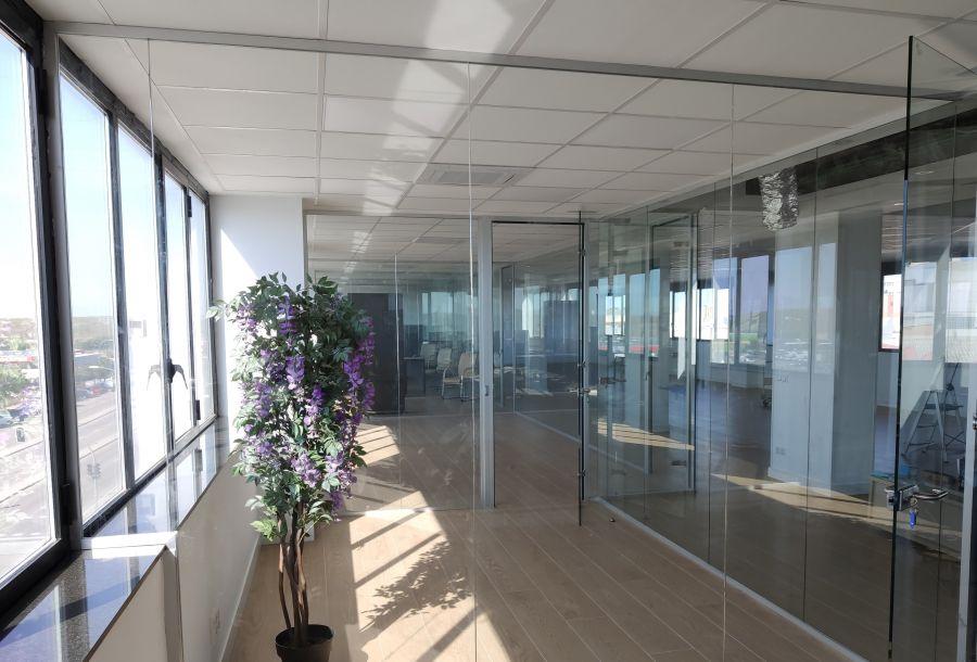 divisalia_mamparas de oficina de vidrio + espejos_ puertas de paso_3