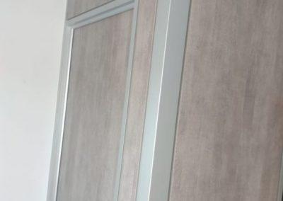divisalia_mamparas para video wall_puerta de paso para mantenimiento